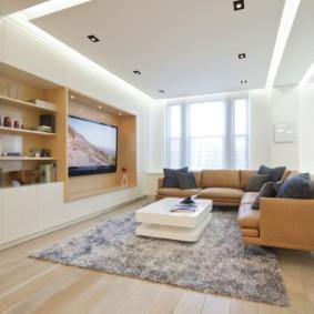 Встроенная мебель в зале большого размера