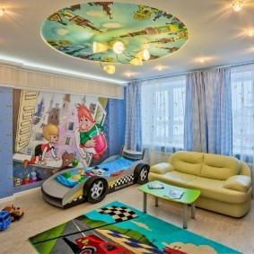Спальное место для малыша в форме машины