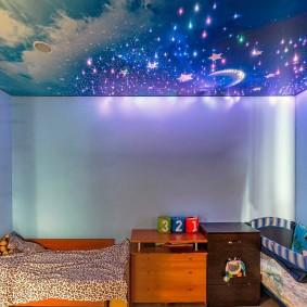 Эффектная подсветка потолка со звездами