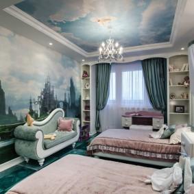 Фотообои в комнате классического стиля