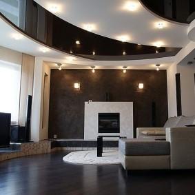 Черно-белый потолок в современном интерьере