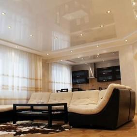 Черно-белый диван в современном стиле