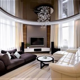 Кожаная обивка гостиного дивана