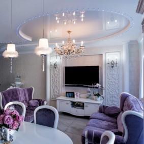 Мягкая мебель с обивкой фиолетового цвета
