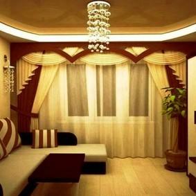Дизайн зала с ламбрекеном на окне