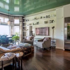 Зеленое полотно натяжного потолка