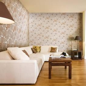 Зонирование виниловыми обоями пространства гостиной
