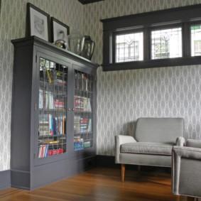 Книжный шкаф черного цвета