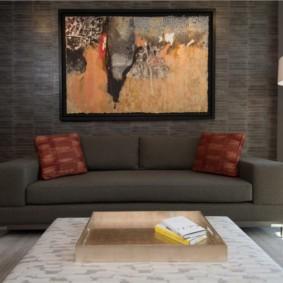 Абстрактная живопись в интерьере квартиры