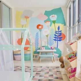 Рисунки виниловыми красками на стене в детской
