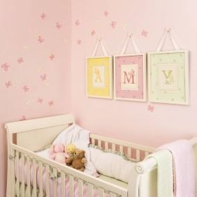 Модульные картины над детской кроваткой