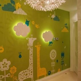 Ночники на стене детской комнаты