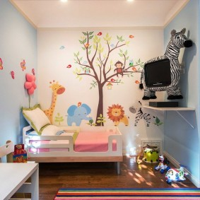 Детский уголок в гостиной комнате
