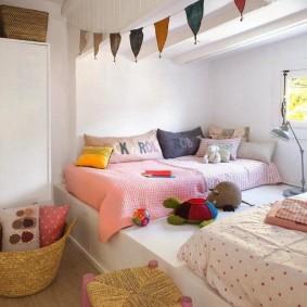 Спальное место для двух девочек