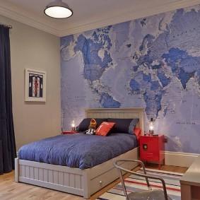 Карта мира в подростковой комнате