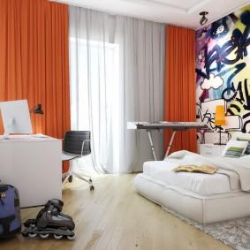 Оранжевые шторы в спальной комнате