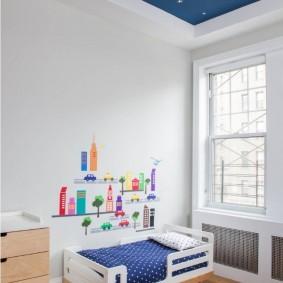 Светлая комната для маленького мальчика