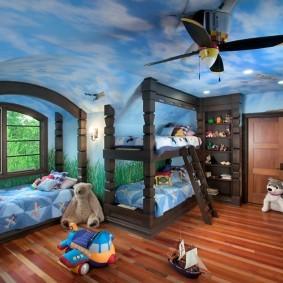 Художественная роспись потолка и стен детской комнаты