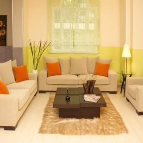 Подбор мягкой мебели под напольное покрытие в зале