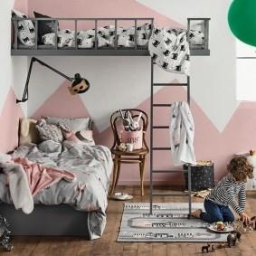 Деревянный пол в детской спальне
