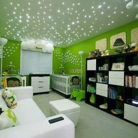 Звездный потолок в детской спальне