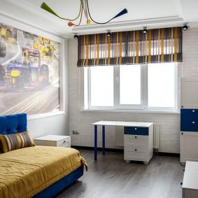 Римская штора в комнате мальчика