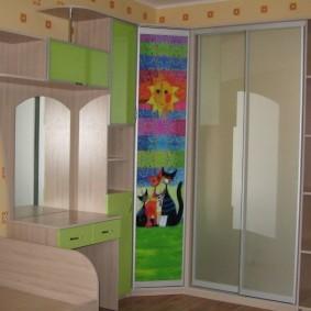 Комбинированный шкаф из качественного ДСП