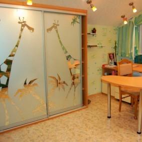 Линолеум на полу детской комнаты
