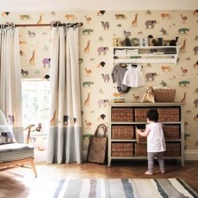 Комбинированные шторы в комнате маленькой девочки
