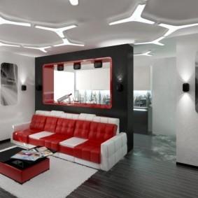 Красно-белый диван в гостиной комнате