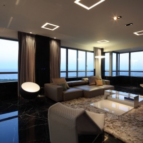 Панорамное остекление современной квартиры