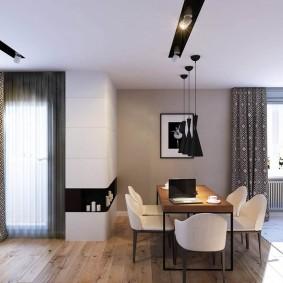 Встроенные светильники на потолке комнаты