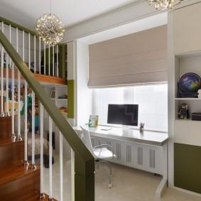 Деревянная лестница в детской комнате