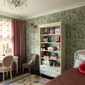 Шкаф-стеллаж в комнате девочки