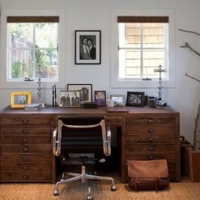 Массивный стол с дубовой столешницей