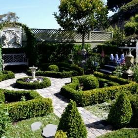 Регулярный стиль в ландшафте сада
