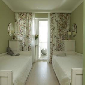 Красивые занавески в комнате для дочерей