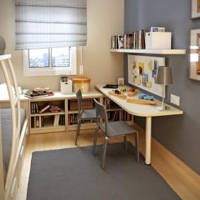 Письменный стол на одной ножке