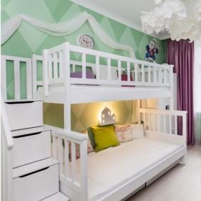 Ночник в виде домика над спальным местом для ребенка