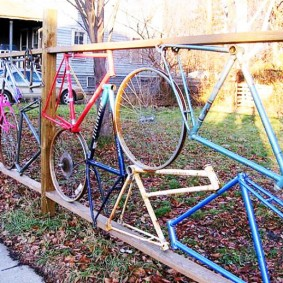 Оригинальный забор из велосипедных рам