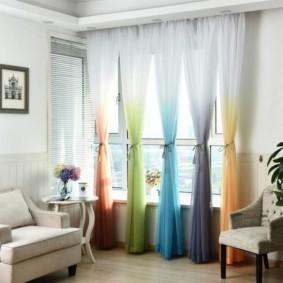 Разноцветные шторы с переходом цвета
