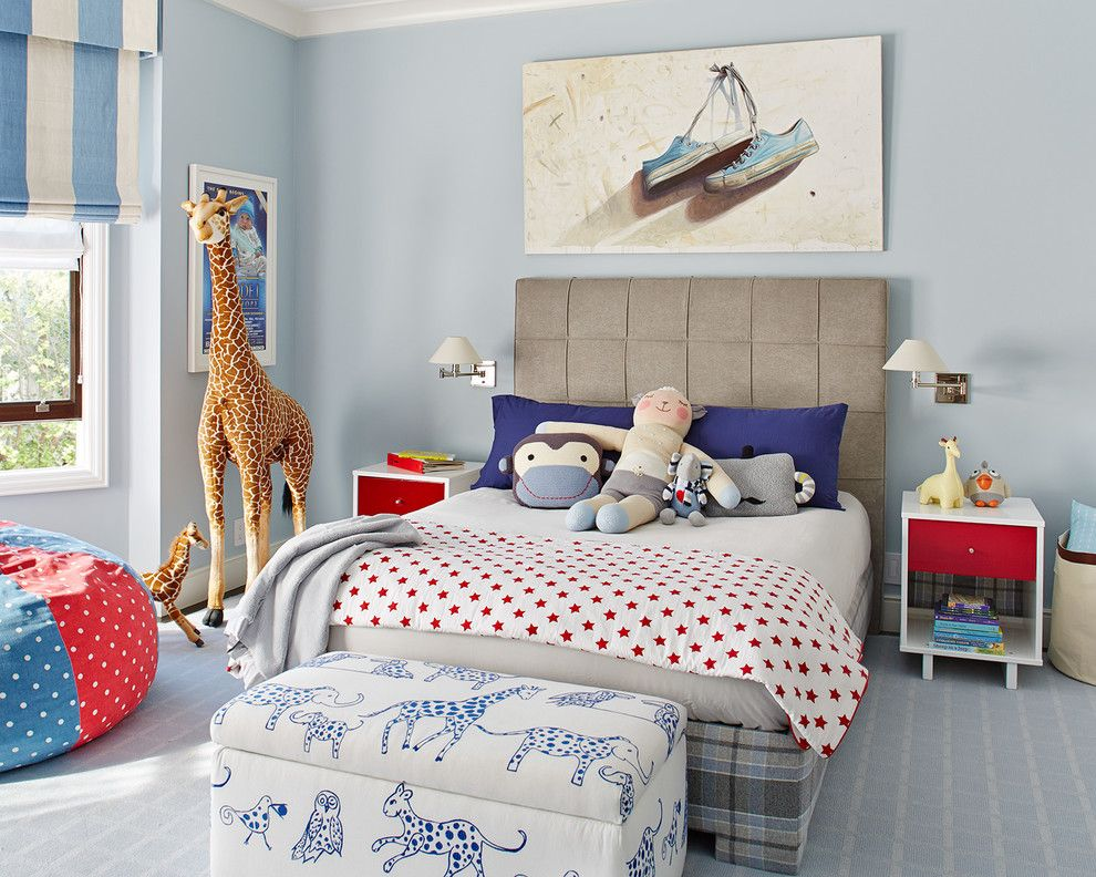 Голубые стены в интерьере детской спальни