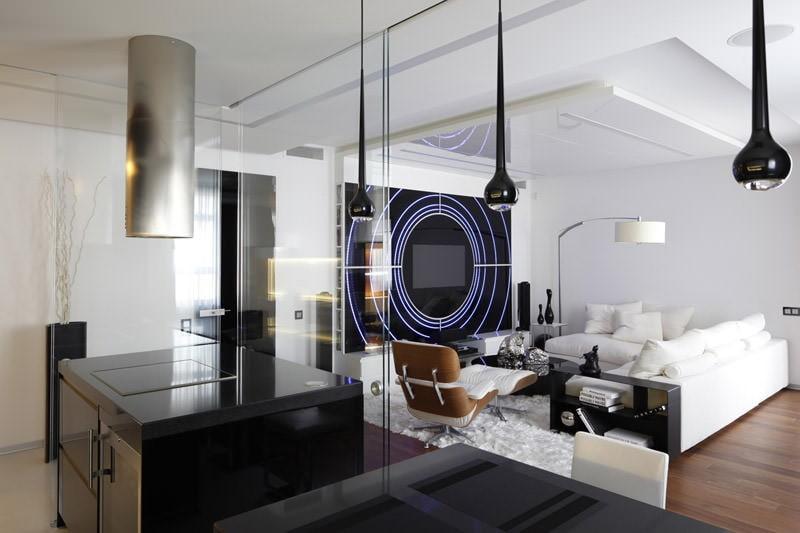 Черно-белый зал в стиле хай тек