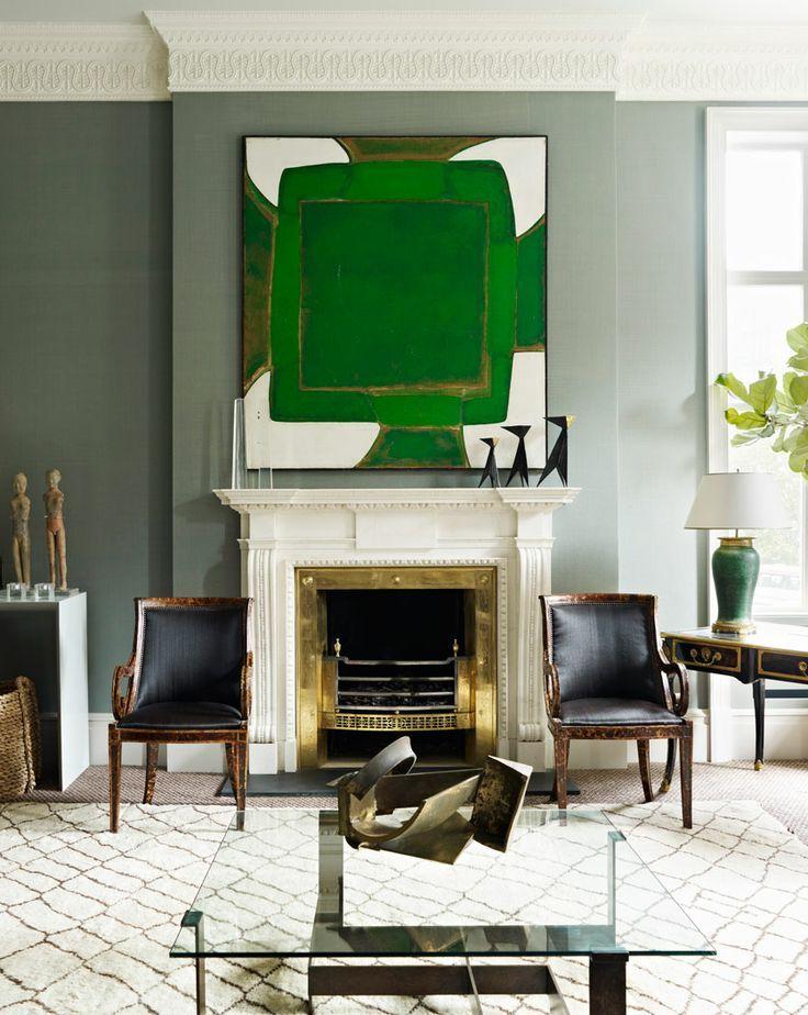 Абстрактная живопись в интерьере современного зала