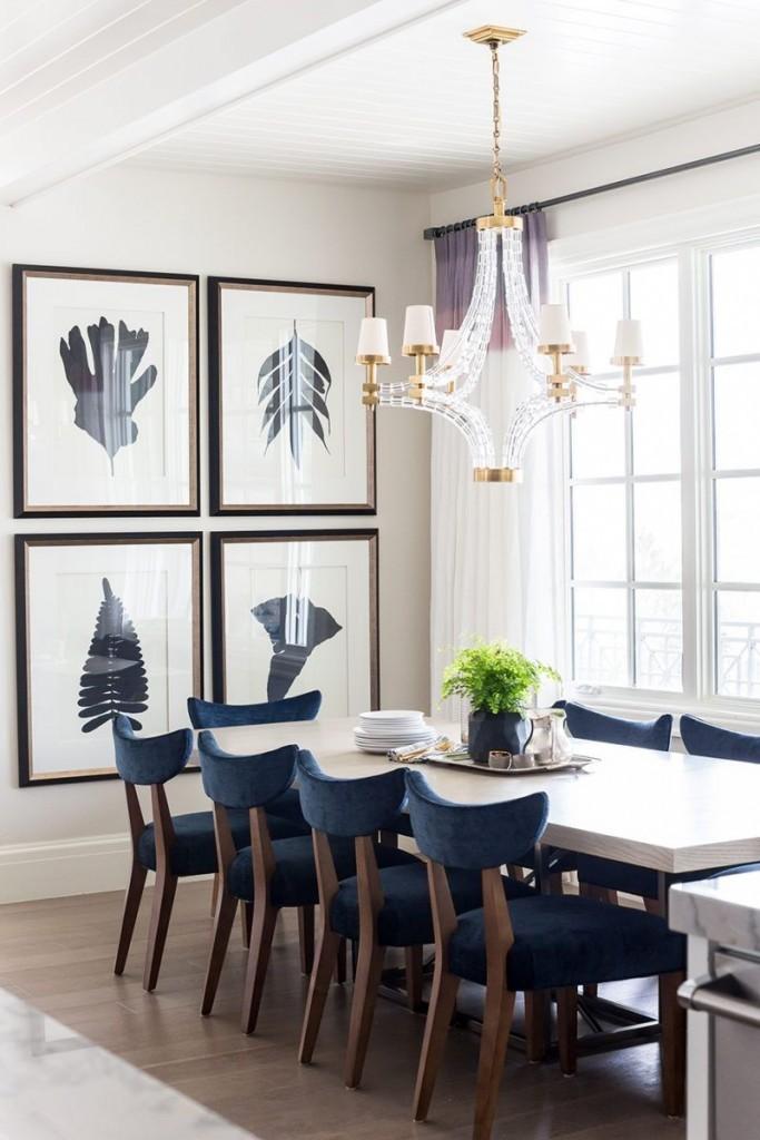 Модульные картины с листьями в столовой зоне зала