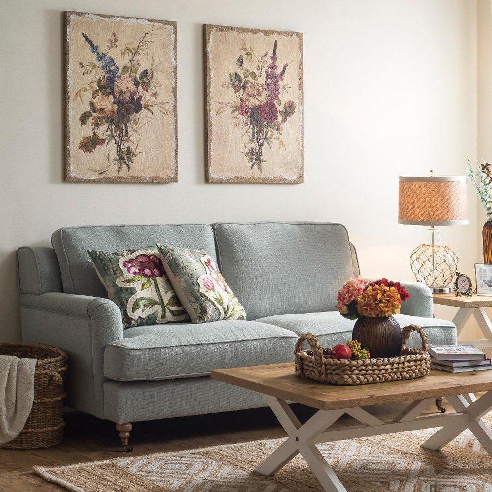 Картины над диваном в деревенском стиле