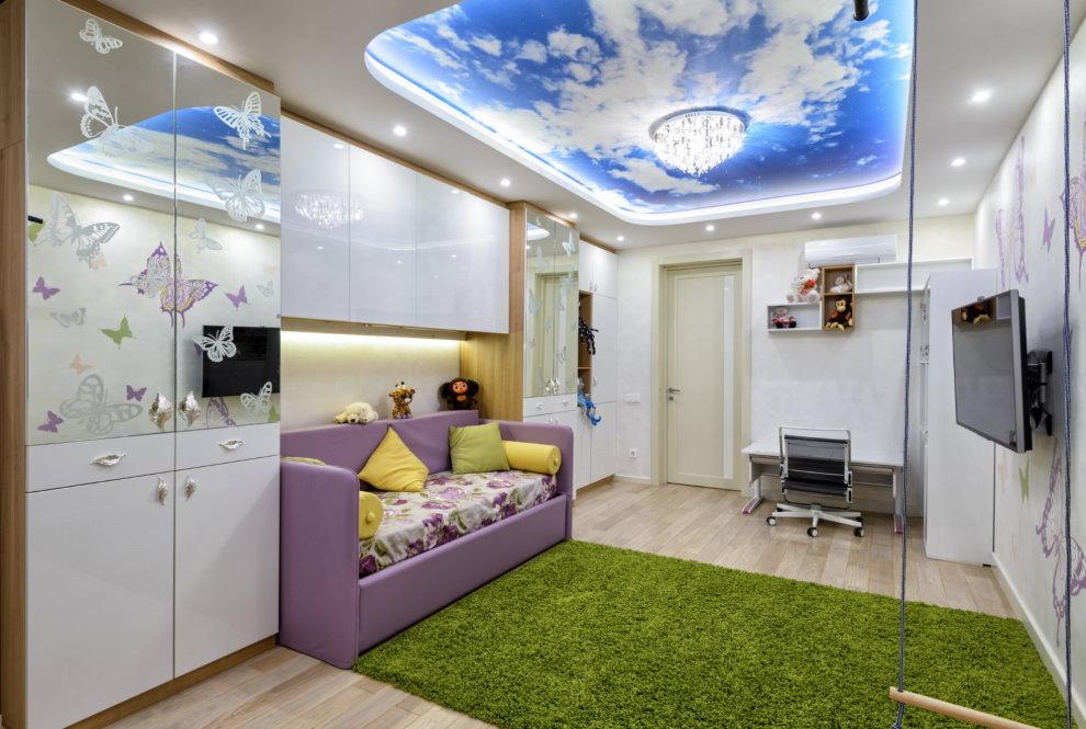 Комбинированный потолок в современной детской комнате