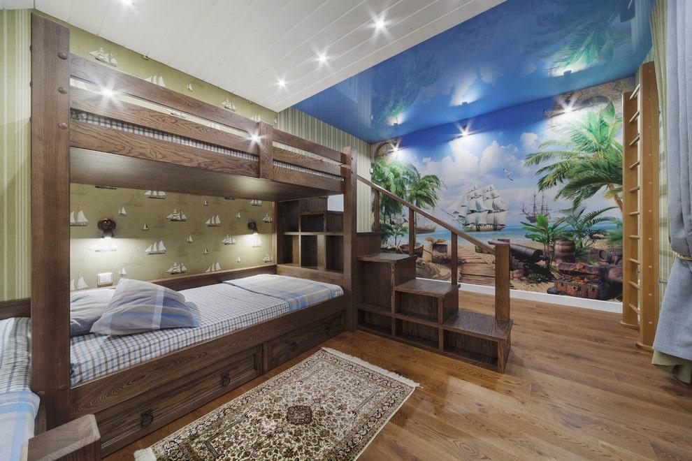 Деревянная кровать в два яруса в подростковой комнате