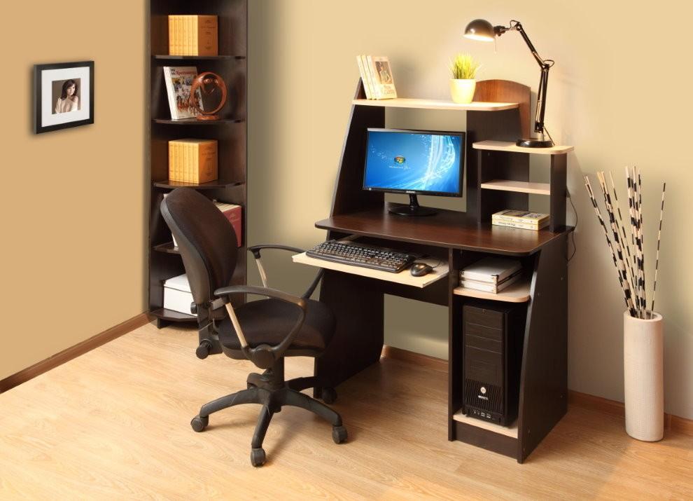 Компьютерный стол для дома в современном исполнении