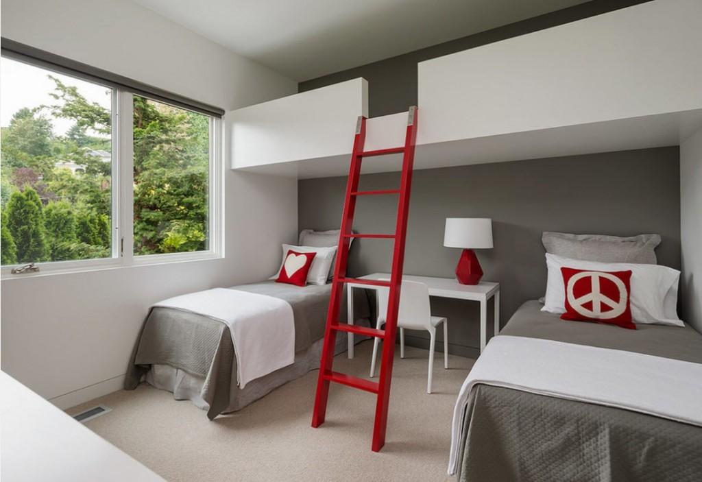 Красная лесенка на второй ярус детской комнаты